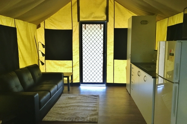 5-eco-tent4522EA1E-6E38-BBEF-C3CE-61111263C5DA.jpg