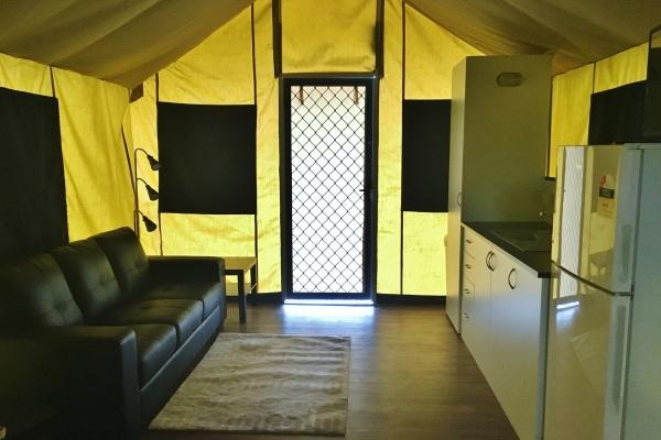 eco-tent7056CE30-00D2-E123-6136-4252F4F91803.jpg