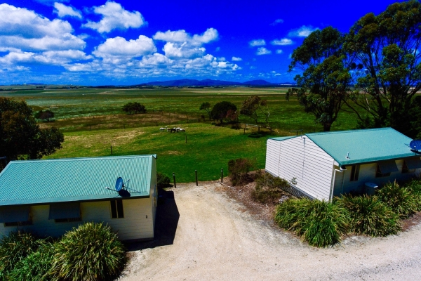 one-bedroom-cabin-view-from-drone27D74A61-67A9-3349-8D4E-FD6A7B486B0D.jpg
