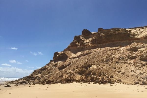 darby-beach-cliff4C544088-6127-A82D-D9B0-CD7BEFBEF954.jpg