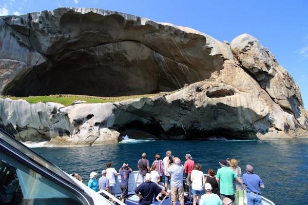 wildlife-coastal-cruises-wilsons-prom-skull-rock11C6B893-60D5-B15B-3B2D-D831C9E77FFA.jpg